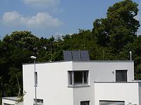 solární panel na rovné střeše